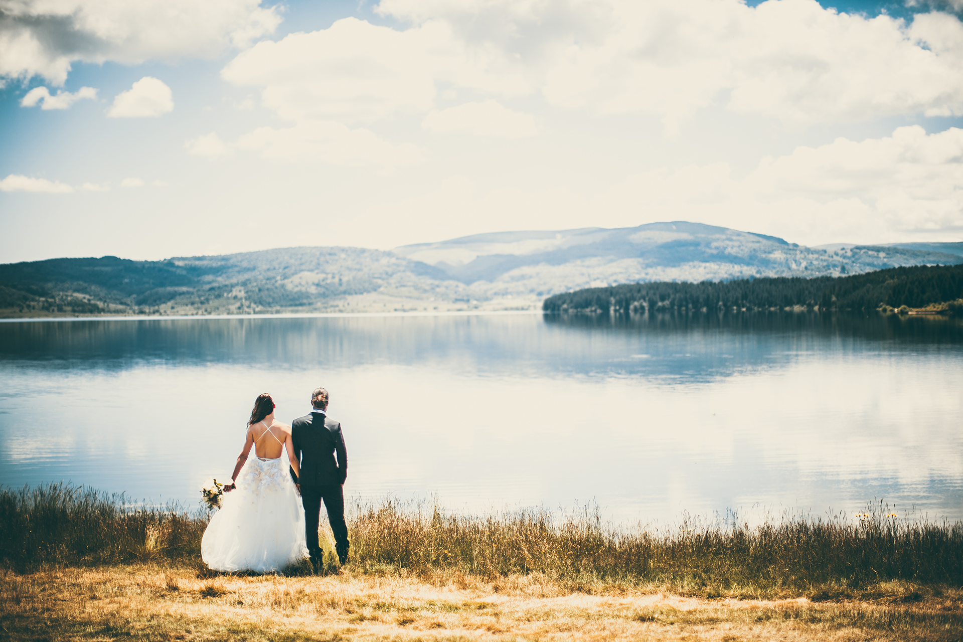 Portrait of a couple on their wedding day in nature