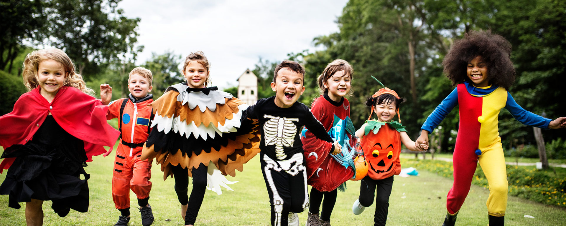 9 halloween activities for kids (from spooky food to glitter slime)